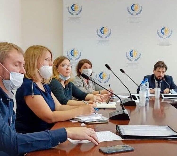 16 сентября Председатель комиссии по обеспечению инвалидов ТСР АРДИП Светлана Шуллер приняла участие в совещании в МОРО ФСС АРДИП